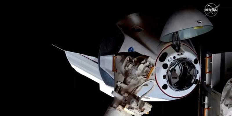 La Crew Dragon di SpaceX ha raggiunto la Stazione spaziale internazionale
